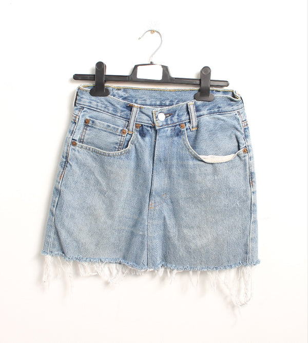 VINTAGE LEVI'S DENIM SKIRT - SIZE 27