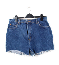 VINTAGE LEVIS DENIM SHORT - SIZE 33