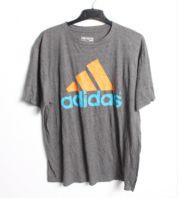VINTAGE ADIDAS SPORTS TEE - SIZE L