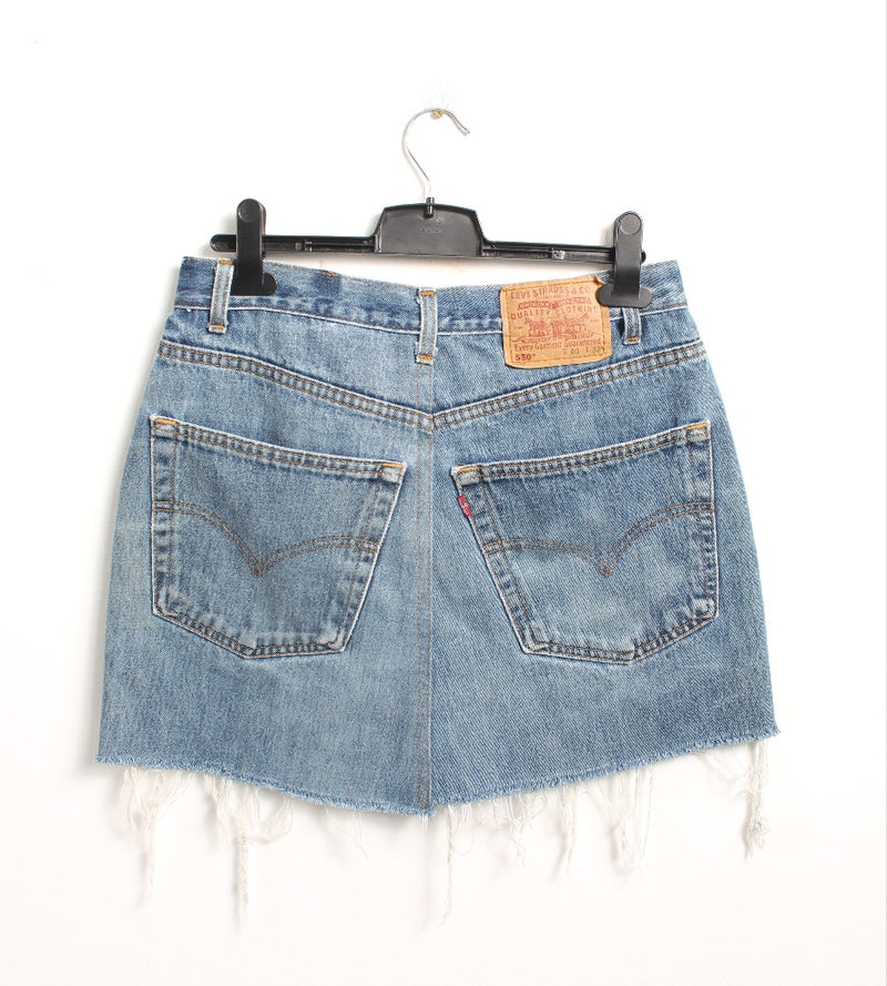 VINTAGE LEVI'S DENIM SKIRT - SIZE 31