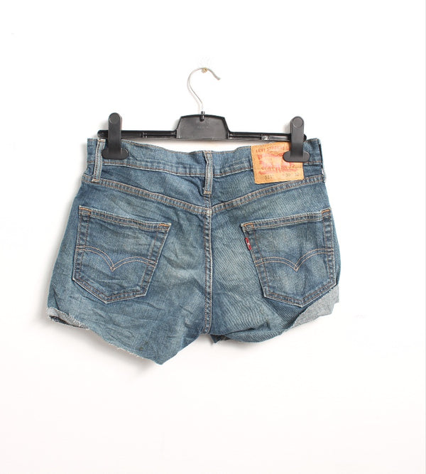 VINTAGE LEVI'S DENIM SHORT - SIZE 30
