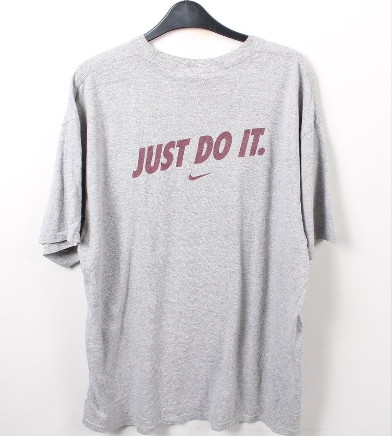 VINTAGE NIKE CASUAL SPORTS TEE- SIZE XL