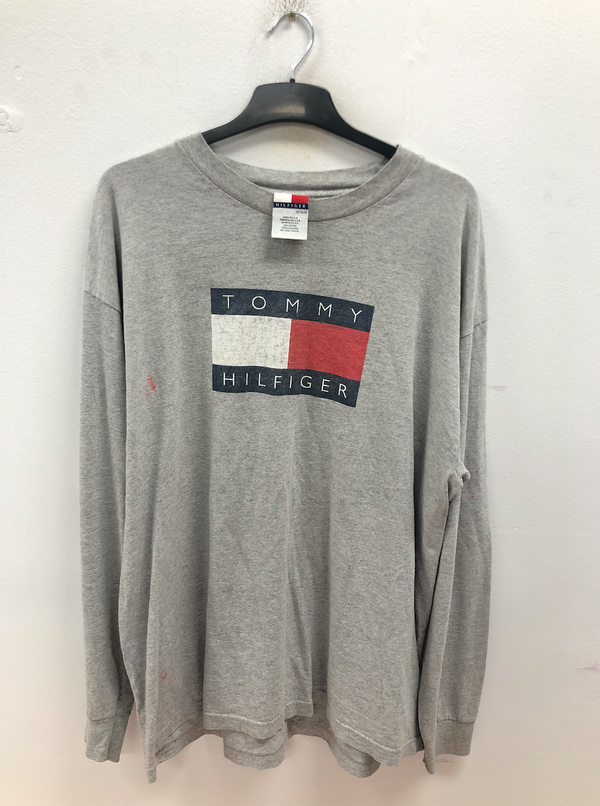 TOMMY HILFIGER SWEATER- SIZE XL
