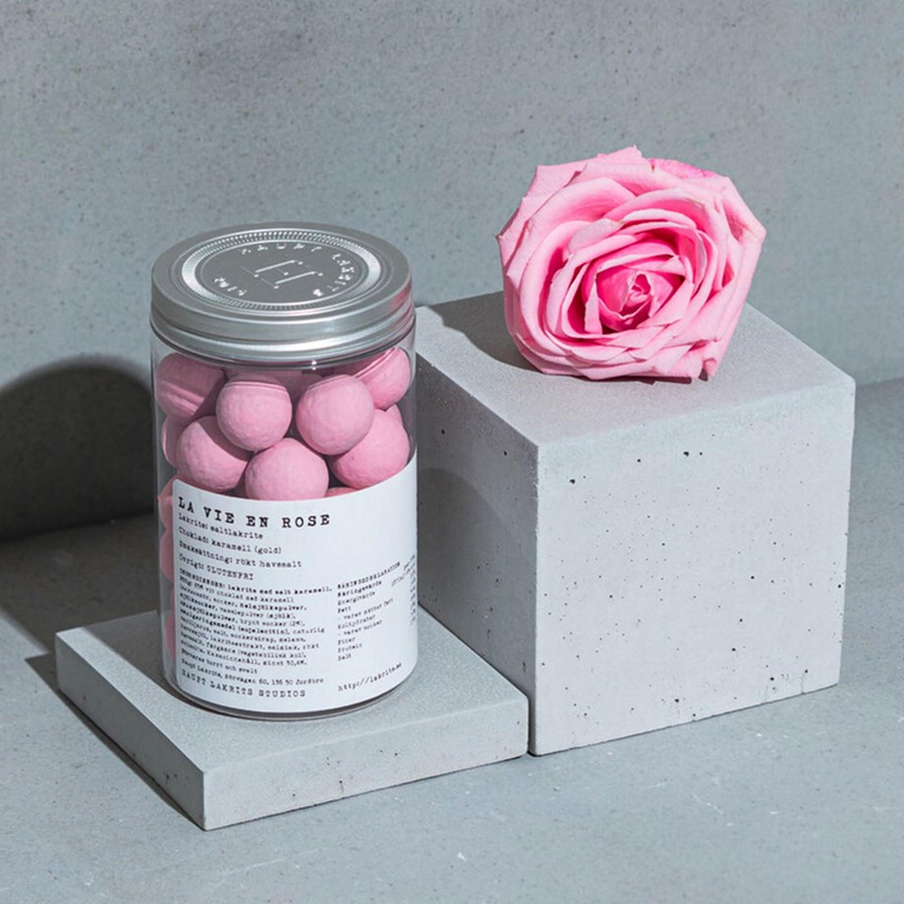 La Vie en Rose - Rose flavoured artisan Chocolate coated liquorice