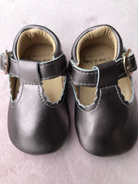 Baby shoes Leather T bars with rubber sole Cappuccino