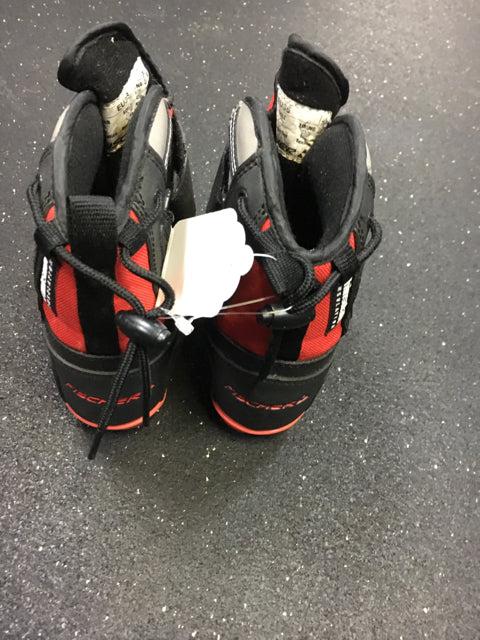 Fischer Black / Red Sr Size Specific Used Cross Country Boots