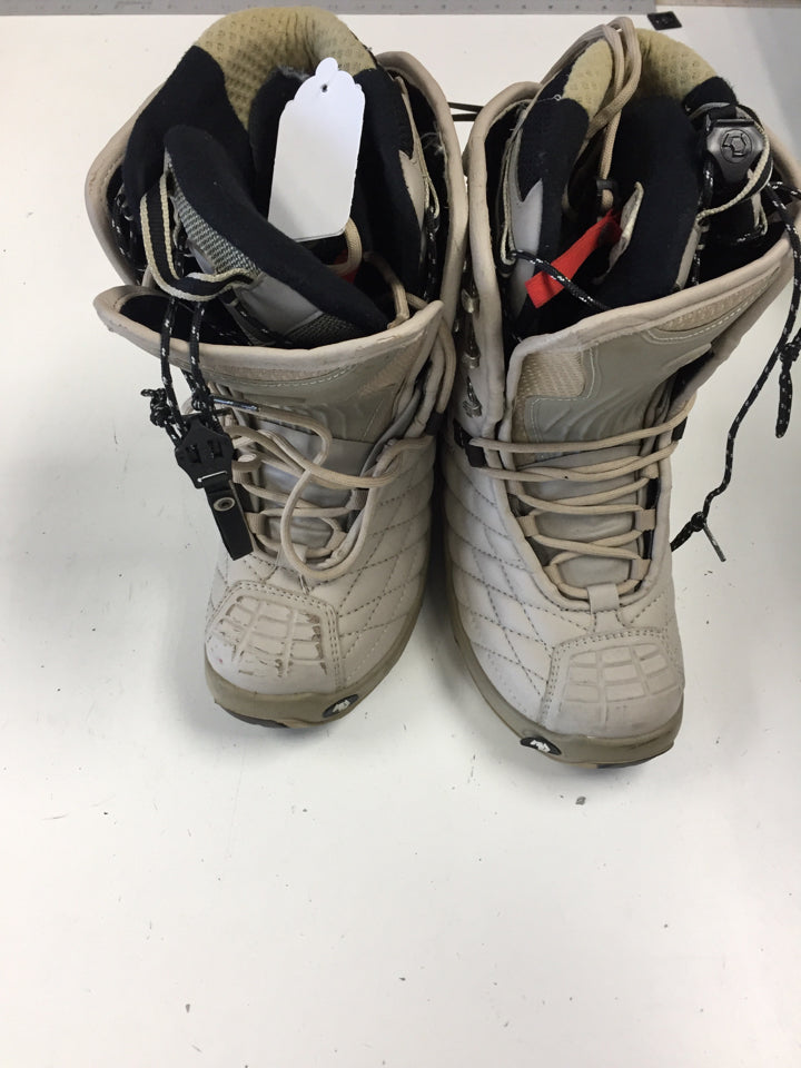 Northwave Legend White Adult Used Snowboard Boots