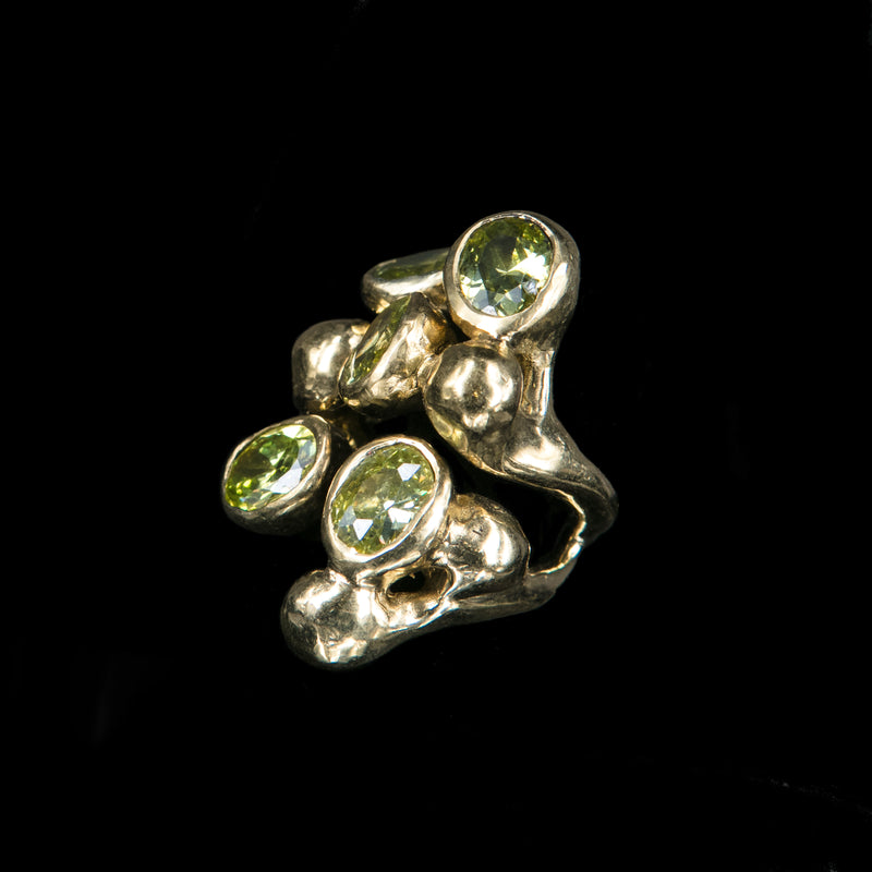 RING 5 PERIDOT STONES TRICKLE GOLD BRONZE