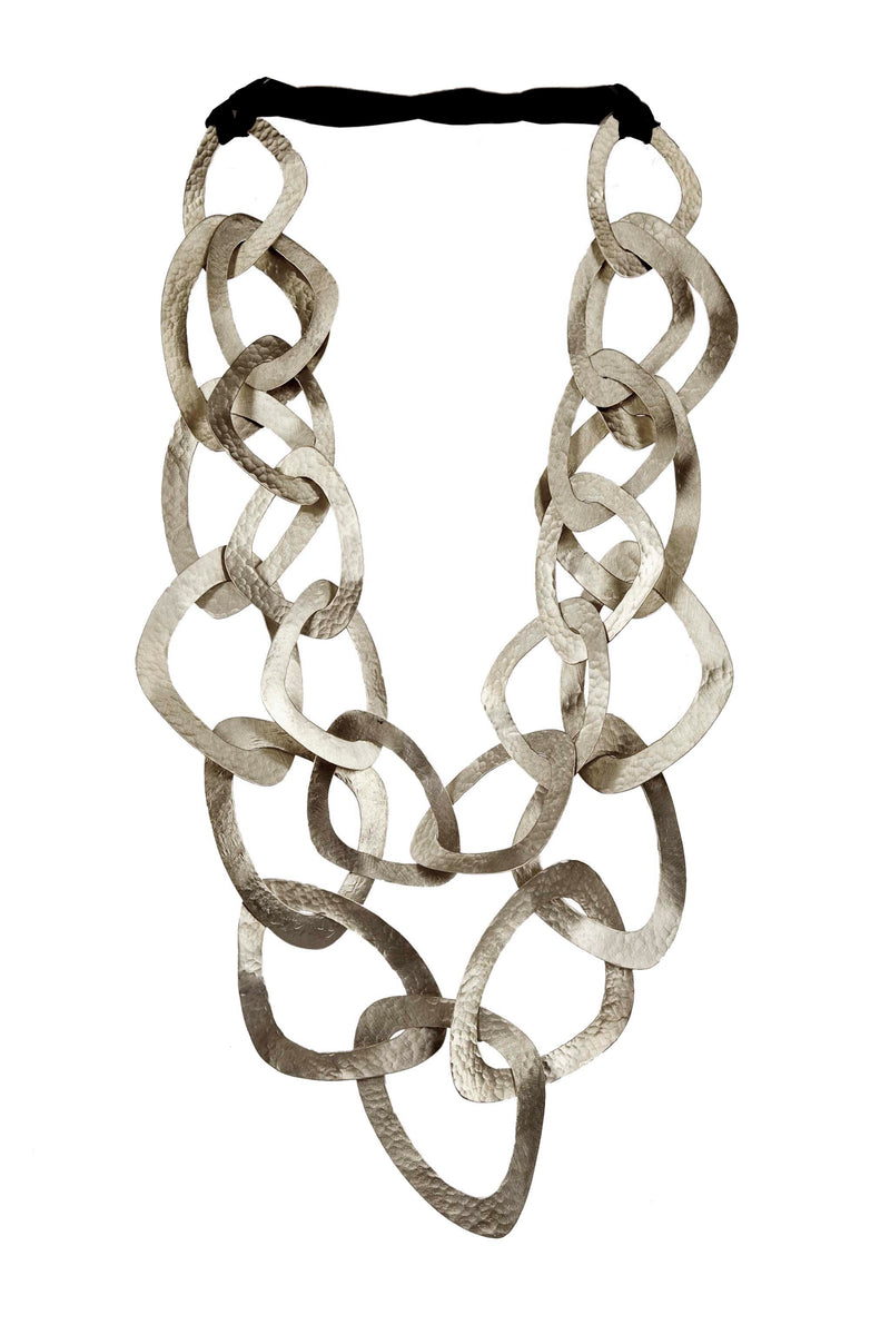 NECKLACE 22 TRIANGLES WHITE BRONZE