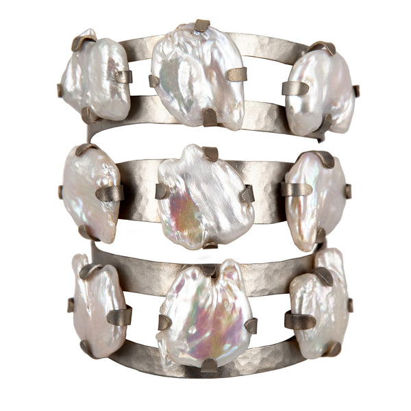 BRACELET SHIELD & PEARLS WHITE BRONZE