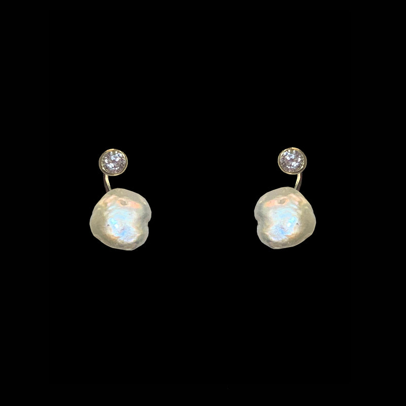 EARRINGS FISHING HOOK WHITE BRONZE & KEISHI PEARLS