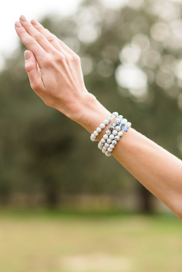 Winter Whites (1 bracelet)