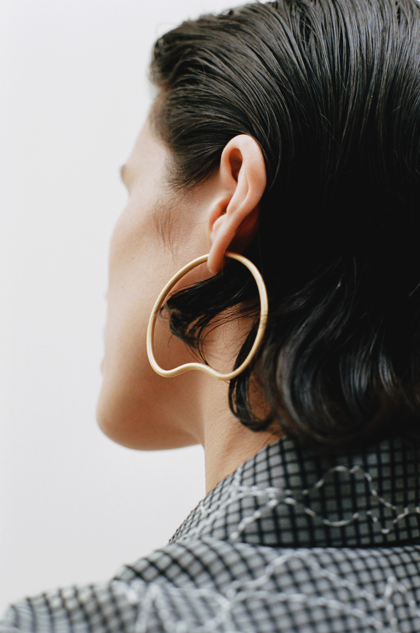Small Curve P Earring