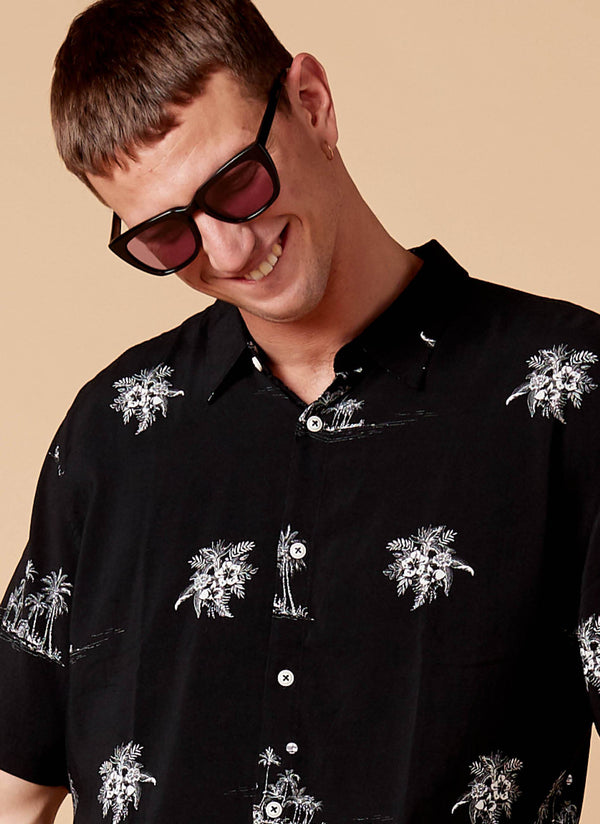 Holiday Short Sleeve Shirt Castaway Black