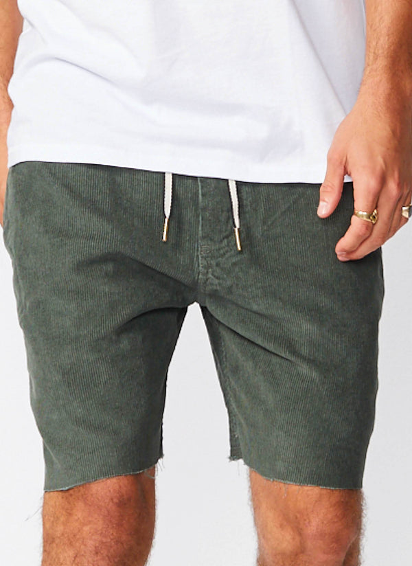 B.Relaxed Walk Short Bottle Green Corduroy