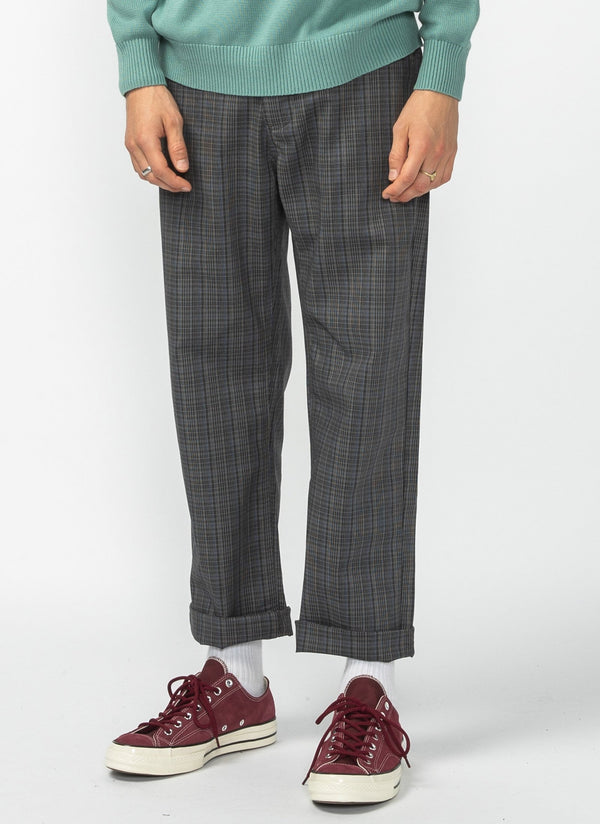 B.Boxy Chino Charcoal Plaid