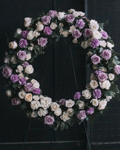 Load image into Gallery viewer, Round Wreath