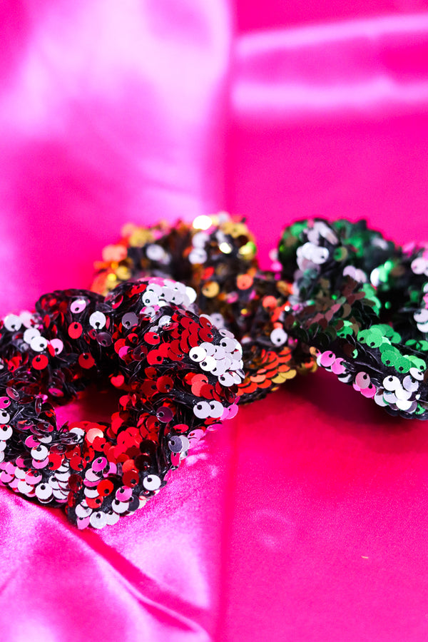 SEQUIN HOLIDAY SCRUNCHIE