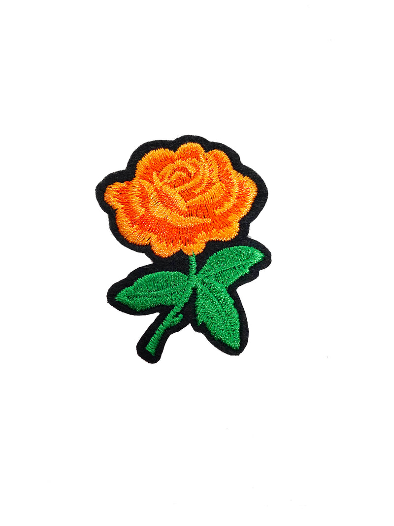 EMBROIDERED ROSE PATCH BLACK RIBBED TEE