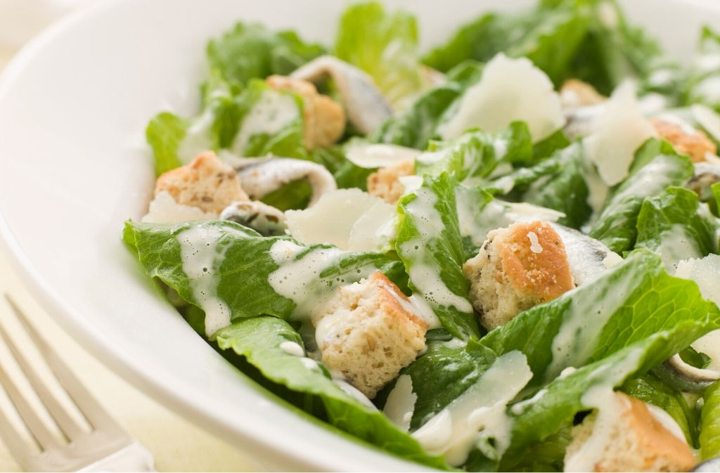a bowl of applebeees keto friendly caesar salad