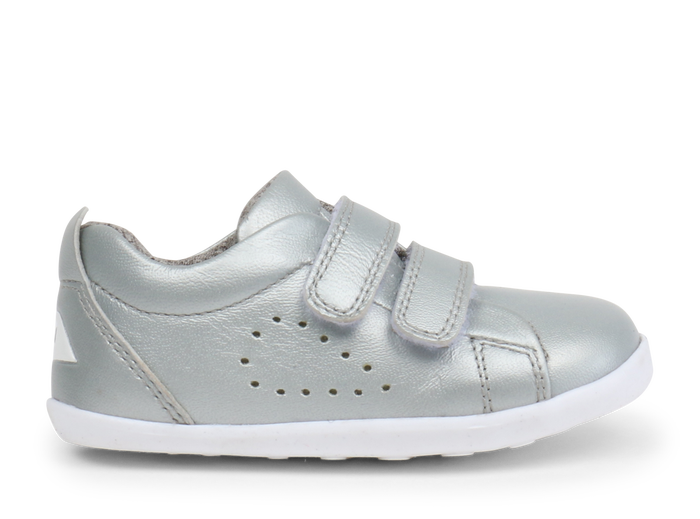 Silver pre walker shoes. Pre walker sneakers for girls. First walking shoes for girls. Leather pre walker shoes. Shop local at Sticky Fingers Children's Boutique in Niddrie, Melbourne, Victoria.