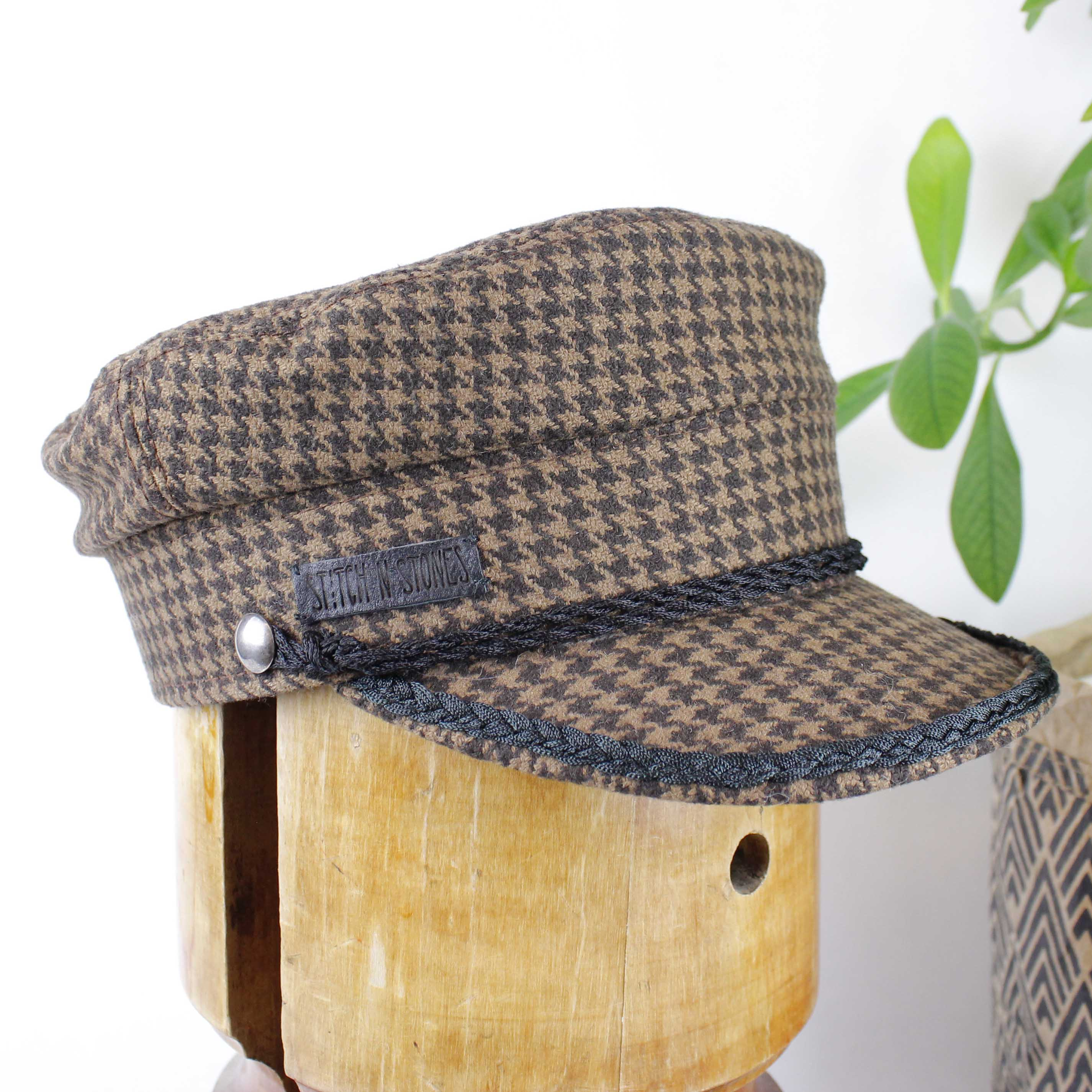 Vega Cap Brown Tweed