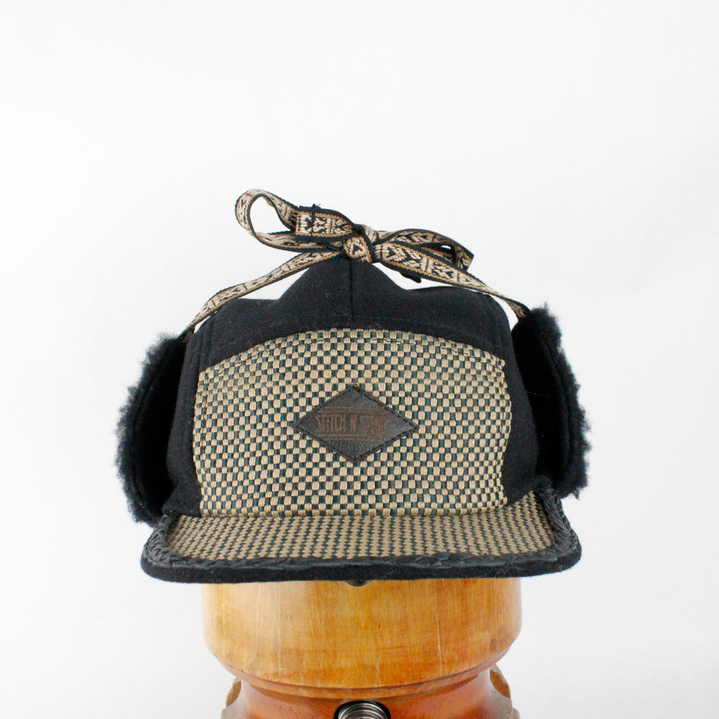 Black wool and checkered Wintercap
