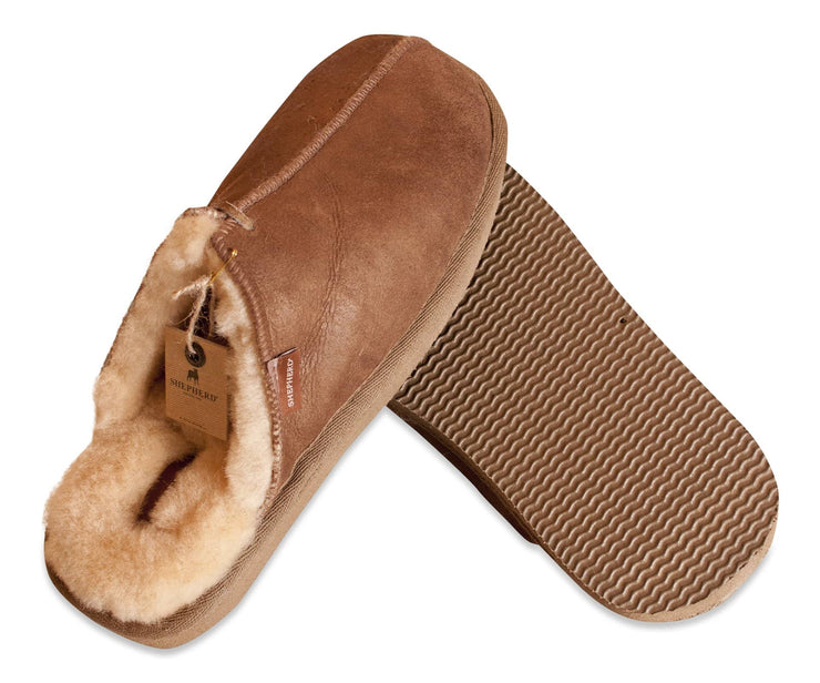 Shepherd Mens sheepskin slippers HUGO cognac detail