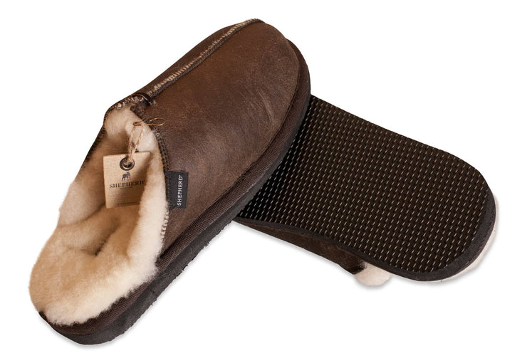 Shepherd Mens sheepskin slippers HUGO oiled antique detail