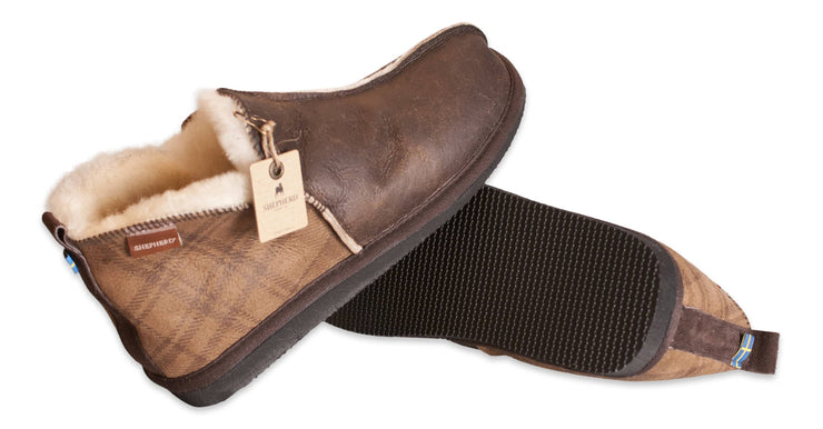 Shepherd Mens sheepskin slippers ANTON Checked brown sole