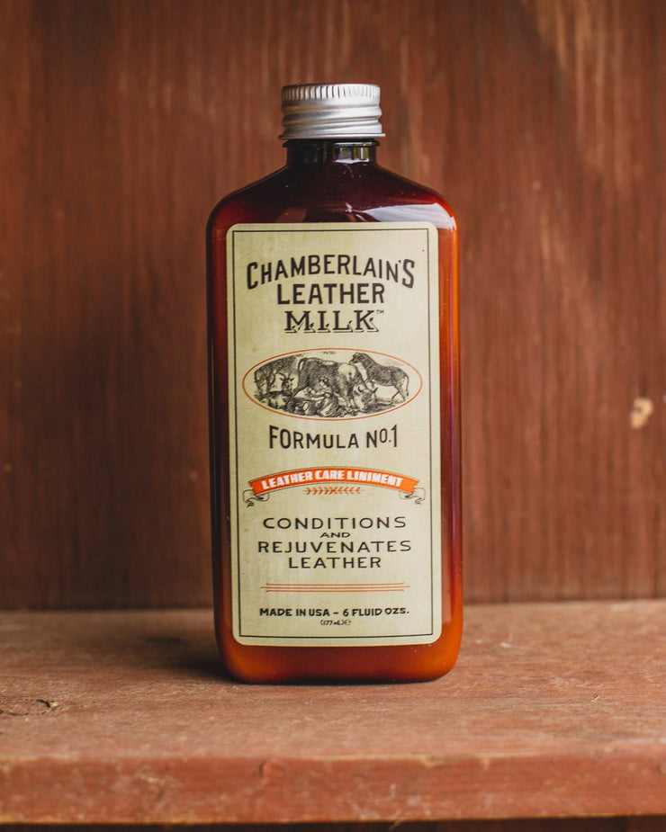 Chamberlins Leather Milk Lintment 1