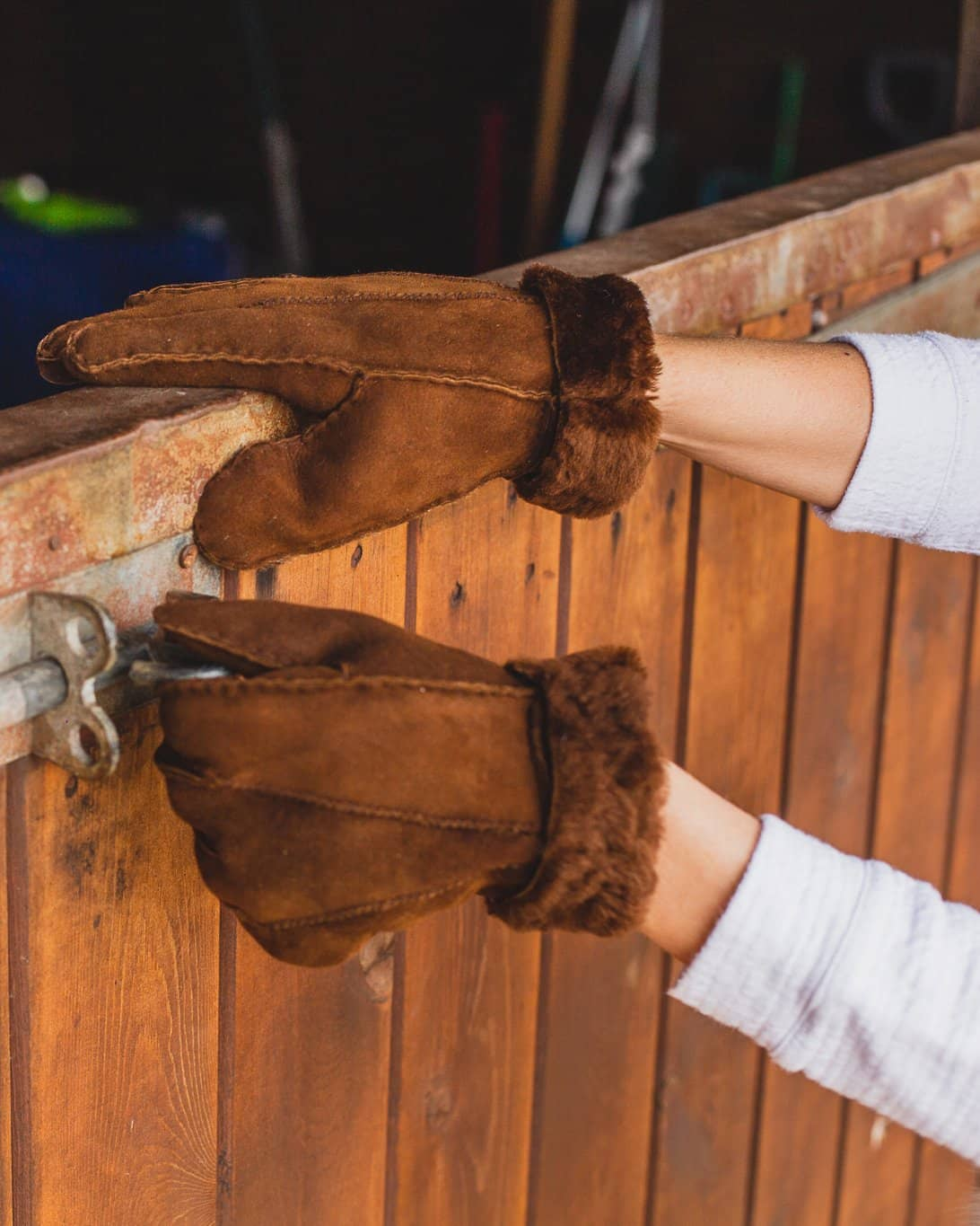 Nordvek womens sheepskin brown gloves sat on wall 301-100