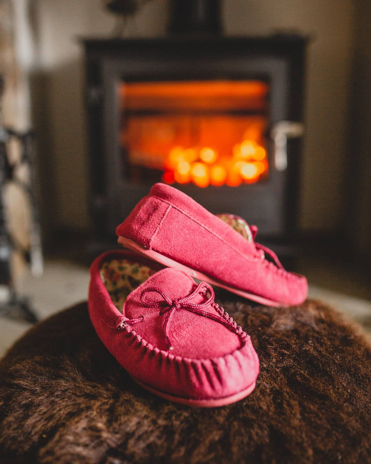 Nordvek womens moccasins hard sole  419-100 red pair in front of fire on pouffe