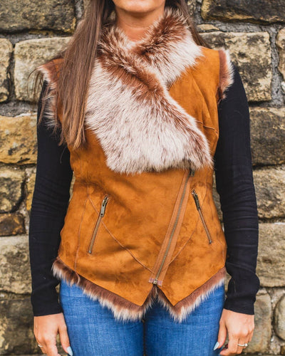 womens toscana shepskin gilet 717-100 tan on model outfit