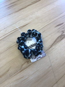 Leopard Scrunchies- Gray