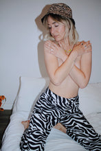 Load image into Gallery viewer, Zebra Trousers