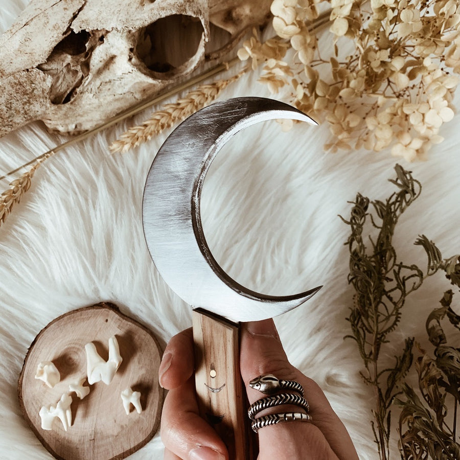 moon phases boline sickle knife | witches tool