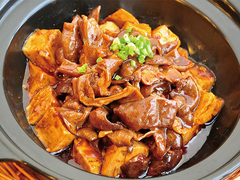(中辣)臭豆腐烧肥肠 Stinky Tofu With Pork Intestine