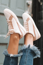 Fresh Look Sneaker - White