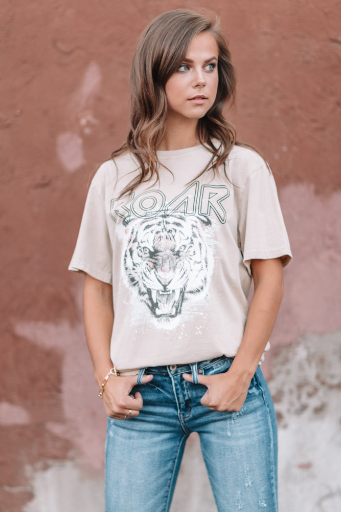 Roar Graphic Tee - Khaki