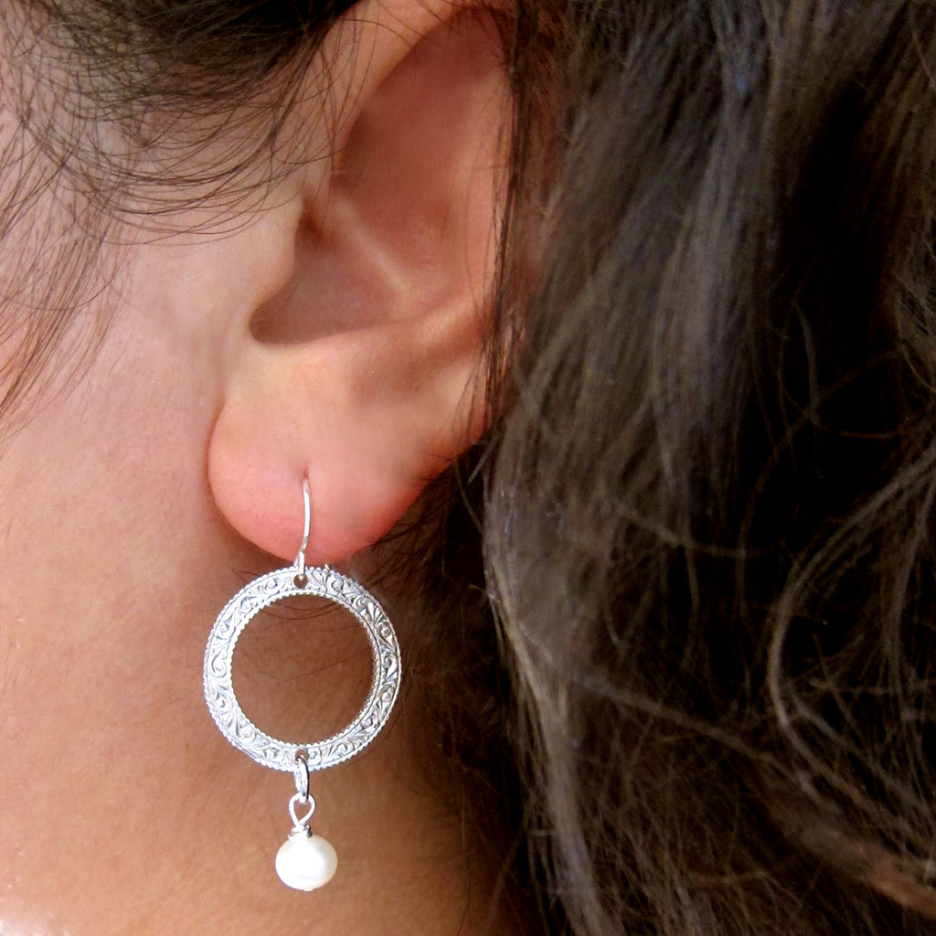 "Small ""Eternity Circle"" Earrings with Semi-Precious Stones and Pearls"
