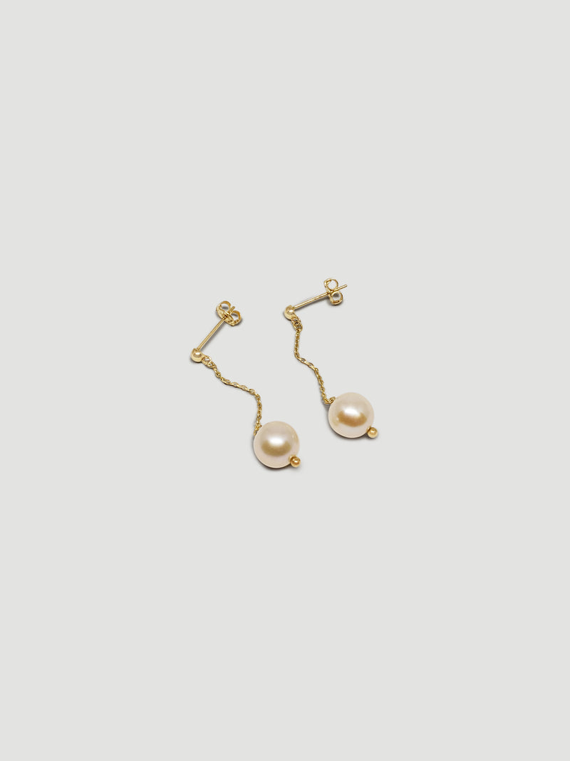 THE PEARL AND CHAIN DROP EARRINGS