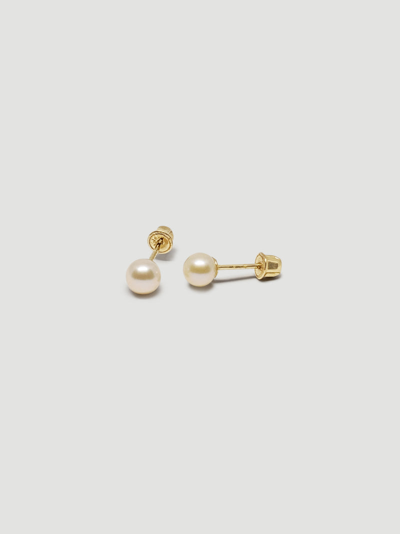 THE PEARL STUDS