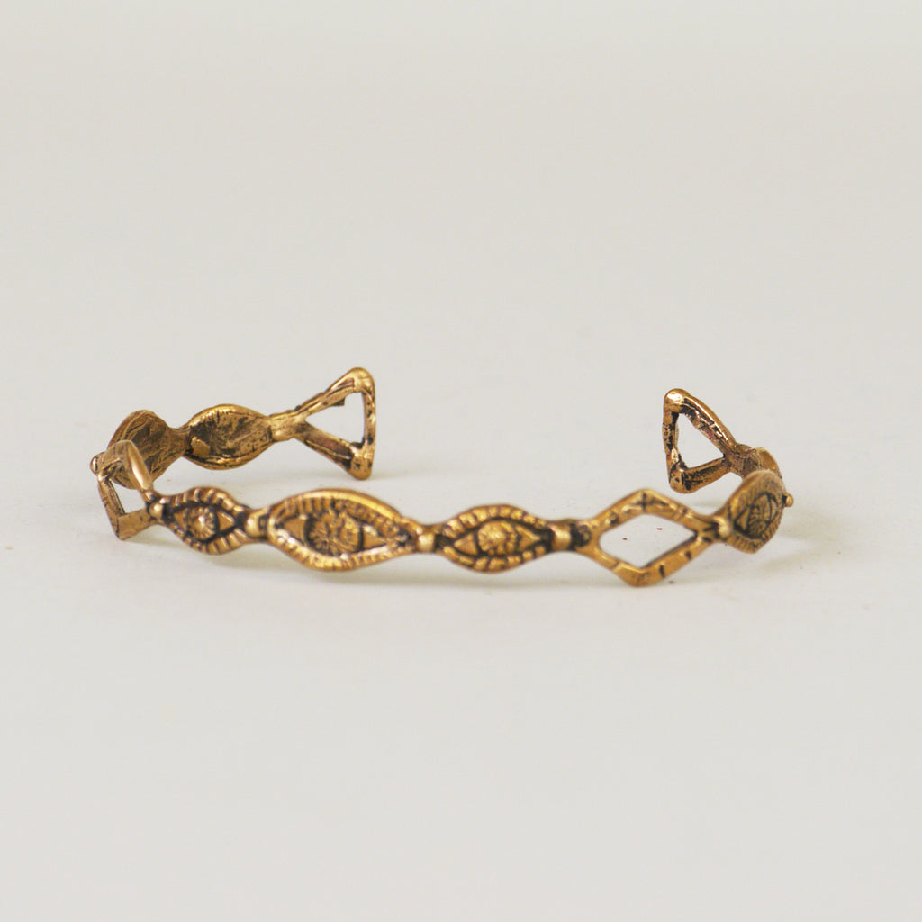 Diamond Eyes Cuff