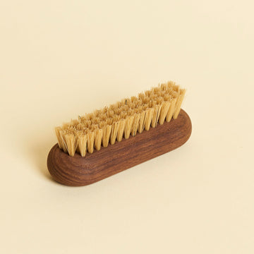 Brosse à ongles en frêne - The Naked Shop