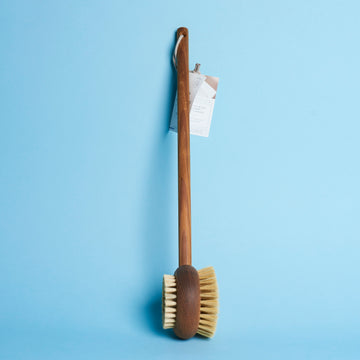 Brosse de bain en frêne - The Naked Shop