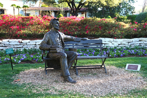 Abraham Lincoln Bench - Bronze Sculpture by artist Gary Lee Price