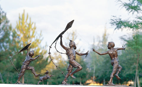 Windy Days - Bronze Sculpture by artist Gary Lee Price