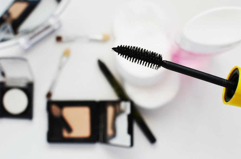 10 Ways To Make Your Makeup Last Longer