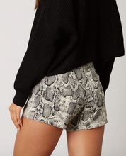 Load image into Gallery viewer, Snake Skin Printed Skort